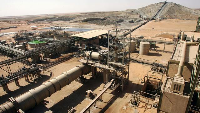 La mine de Somaïr exploitée par le groupe Areva, le 23 février 2005 à Arlit