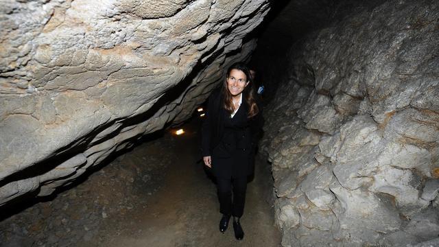 La ministre de la Culture Aurélie Filippetti  inaugure la grotte du Mas-d'Azil (Ariège), le 24 mai 2013 [Remy Gabalda / AFP]