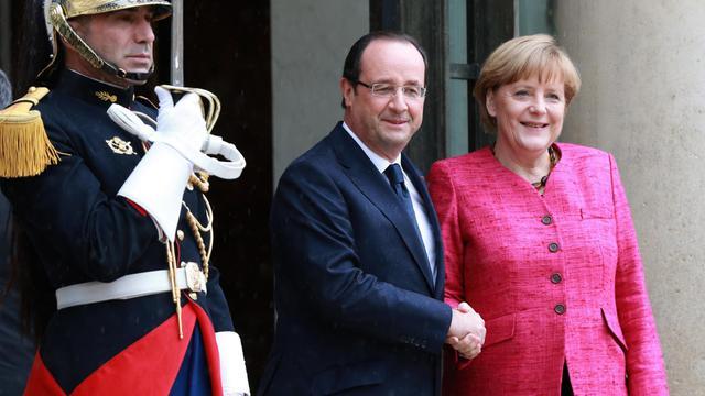François Hollande et la chancelière allemande Angela Merkel à l'Elysée, le 30 mai 2013 [Pierre Verdy / AFP]