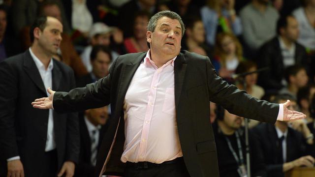 L'entraîneur de Nanterre Pascal Donnadieu le 31 mai 2013 lors de la finale contre Strasbourg en Pro A [Patrick Hertzog / AFP]