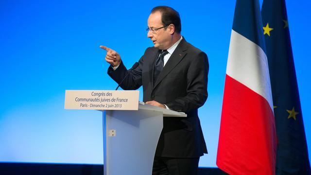 Le président François Hollande devant le 2e Congrès des communautés juives de France, le 2 juin 2013 à Paris [Bertrand Langlois / AFP]