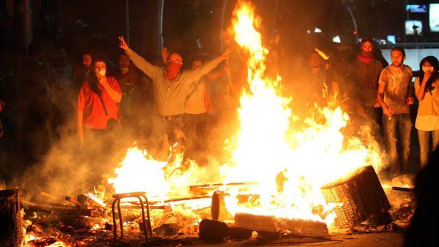 Des manifestants à Ankara le 3 juin 2013 [Adem Altan / AFP]