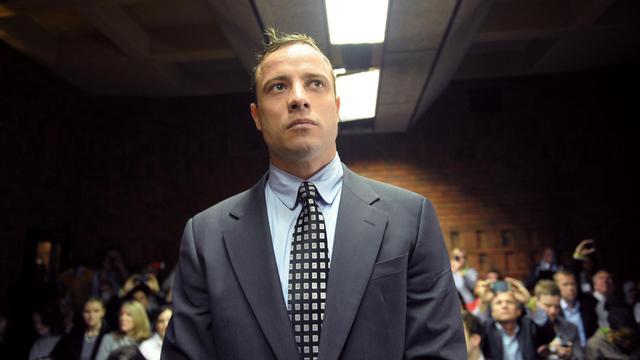 Le champion sud-africain handisport Oscar Pistorius comparaît le 4 juin 2013 devant un tribunal de Pretoria [Alexander Joe / AFP]