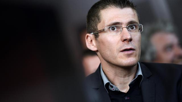 Franck Viallet, policier accusé d'homicides involontaires, le 6 juin 2013 au tribunal de Pontoise [Lionel Bonaventure / AFP]