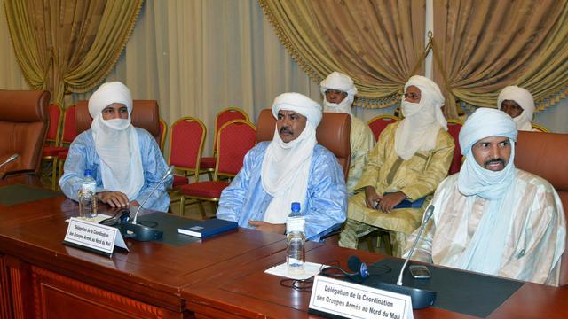 Des leaders touareg lors d'une rencontre avec le gouvernement malien, le 7 juin 2013 à Ouagadougou [Ahmed Ouoba / AFP]