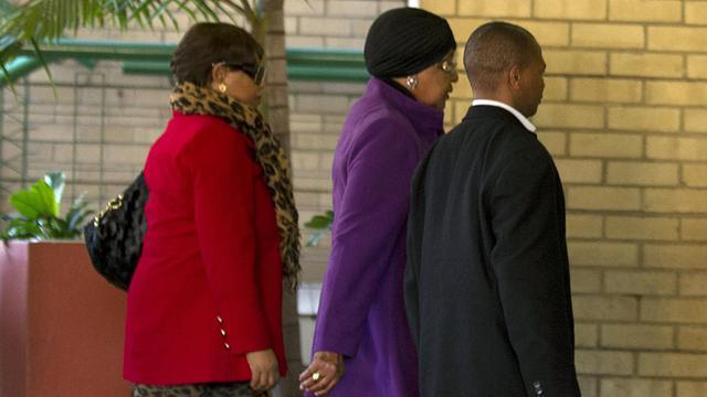 Winnie Madikizela-Mandela à son arrivée le 10 juin 2013 à  un hôpital spécialisé de Pretoria où Nelson Mandela serait soigné [Alexander Joe / AFP]