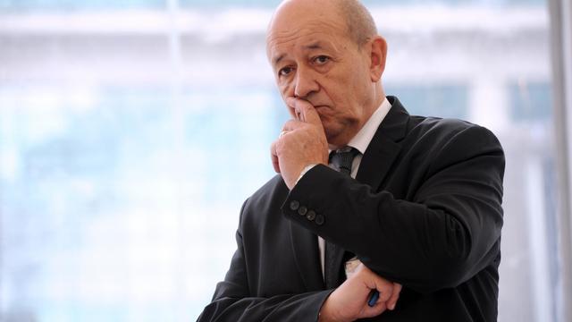 Le ministre de la Défense Jean-Yves Le Drian en visite à Bourges, le 10 juin 2013 [Alain Jocard / AFP/Archives]