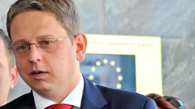 Le représentant de Belgrade à Pristina, Dejan Pavicevic , le 17 juin 2013 à Pristina [Stringer / AFP]