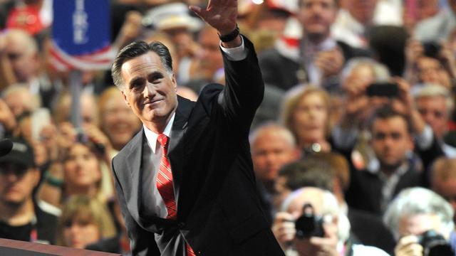 """Mitt Romney a accepté jeudi soir la nomination du Parti républicain pour l'élection présidentielle américaine du 6 novembre prochain, appelant à """"tourner la page"""" de la présidence Obama et des """"déceptions de ces quatre dernières années"""".[AFP]"""
