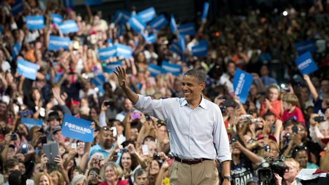 Barack Obama semble avoir profité dans l'opinion des effets de la convention de son parti démocrate la semaine dernière, selon plusieurs sondages publiés depuis la fin de ce rendez-vous, dont un lui accordant lundi six points d'avance sur son adversaire Mitt Romney. [AFP]