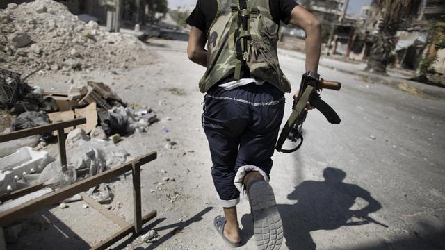 Au moins quatre civils ont été tués jeudi dans un bombardement dans la province d'Alep, dans le nord de la Syrie, tandis que des combats entre rebelles et soldats ont éclaté dans la nuit à Damas, selon une ONG et des militants. [AFP]