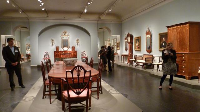Des meubles anciens exposés à la National Gallery de Washington, le 2 octobre 2012 [Fabienne Faur / AFP]