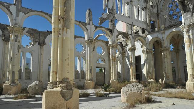 Vue prise le 11 janvier 2013 de la cathédrale de Port-au-Prince détruite par le séisme de 2010 [Thony Belizaire / AFP]
