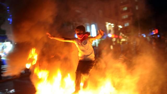 Un jeune manifestant le 11 juin 2013 à Istanbul [Bulent Kilic / AFP]
