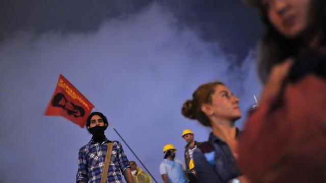 Des manifestants hostiles au gouvernement turc dans le parc Gezi d'Istanbul le 13 juin 2013 [Ozan Kose / AFP]