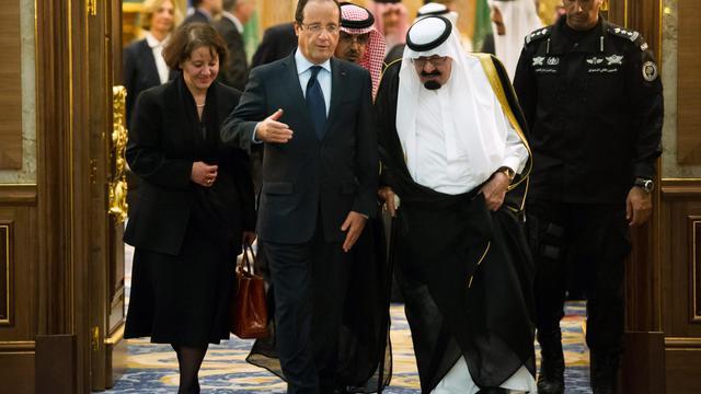 François Hollande reçu par le roi Abdallah  le 4 novembre 2012 à Jeddah [Bertrand Langlois / AFP/Archives]