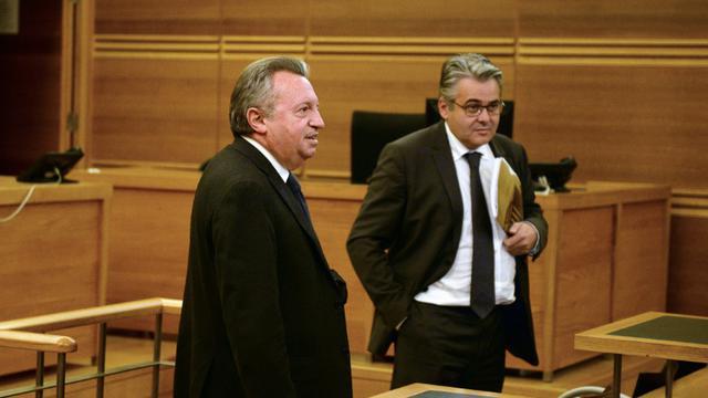 L'ex-président du conseil général des Bouches-du-Rhône Jean-Noël Guérini (g) et son ex-collaborateur Jean-David Ciot le 25 novembre 2015 au tribunal d'Aix-en-Provence [BORIS HORVAT / AFP/Archives]