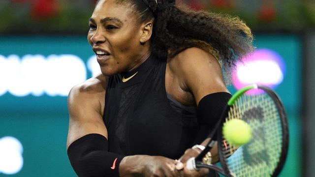 L'Américaine Serena Williams face à la Kazakhe Zarina Diyas au tournoi d'Indian Wells, le 8 mars 2018 [KEVORK DJANSEZIAN / Getty/AFP]
