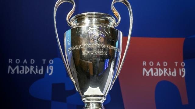 La réforme controversée des compétitions européennes présentée par l'UEFA mercredi impliquerait 128 clubs qui disputeraient au total 647 matches à partir de 2024 (contre 407 entre 2021 et 2024), répartis dans trois Coupes d'Europe, selon un document que s'est procuré l'AFP vendredi. [Fabrice COFFRINI / AFP]