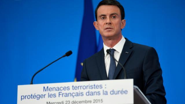 Manuel Valls lors d'une conférence de presse le 23 décembre 2015 à l'Elysée à Paris [Eric FEFERBERG / POOL/AFP/Archives]