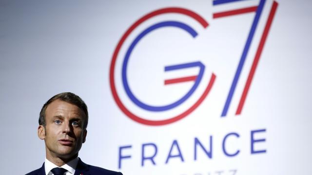 Le président français Emmanuel Macron,le 25 août 2019 lors de la tenue du G7 à Biarritz [Ian LANGSDON / POOL/AFP]