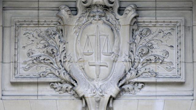 La balance, symbole de la justice (illustration)