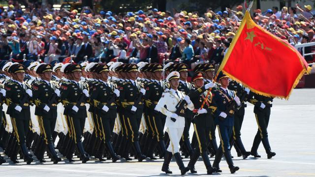 Défilé militaire place Tiananmen, le 3 septembre 2015 à Pékin pour marquer le 70e anniversaire de la victoire de 1945 contre le Japon [GREG BAKER / AFP]