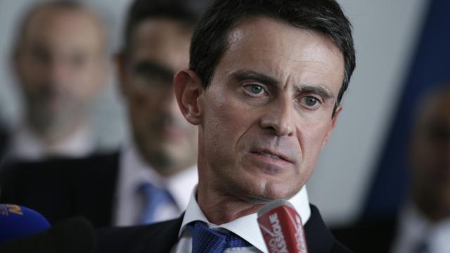 Manuel Valls au siège d'Air France le 6 octobre 2015 à Roissy-en-France [KENZO TRIBOUILLARD / AFP]