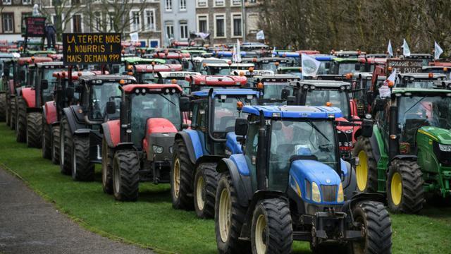 Manifestation d'agriculteurs à Boulogne-sur-mer, le 2 février 2016 [DENIS CHARLET / AFP]
