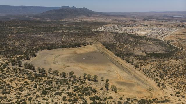 Vue aérienne du barrage d'Adelaïde à sec, le 26 novembre 2019 en Afrique du Sud [Guillem Sartorio / AFP]