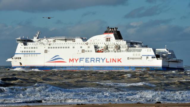 Un bateau de la compagnie MyFerryLink quitte le port de Calais, le 4 novembre 2012 [Philippe Huguen / AFP/Archives]