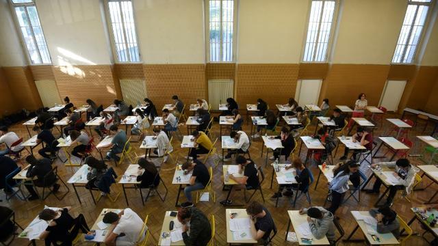 Des candidats au baccalauréat passent l'épreuve de philo, le 18 juin 2018, dans un lycée à Strasbourg [FREDERICK FLORIN / AFP/Archives]