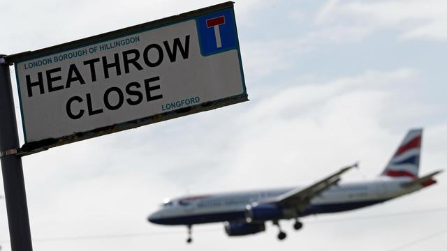 L'aéroport londonien d'Heathrow a annoncé avoir annulé ses vols au départ après le signalement d'un drone.