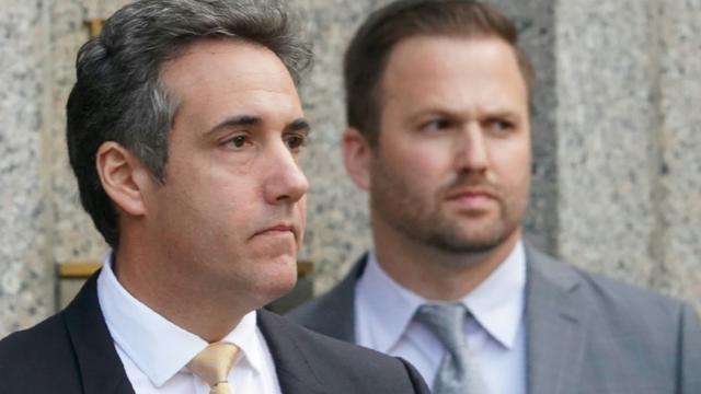 Michael Cohen, ex-avocat personnel de Donald Trump, a plaidé coupable de huit chefs d'accusation, ici à sa sortie du tribunal à New York, le 21 août 2018   [Don Emmert / AFP]