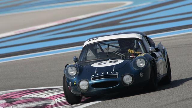 Une Alpine 210 de 1966 ayant participé aux 24 Heures du Mans est notamment mise en vente.