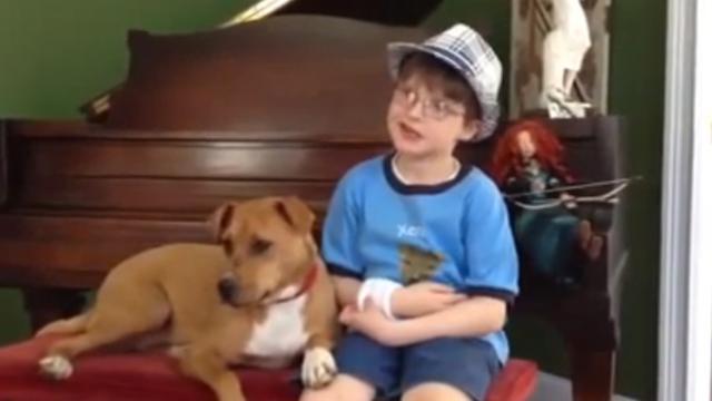 Xena la chienne et Jonny l'enfant autiste