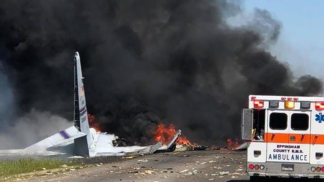 Un avion militaire s'écrase avec cinq personnes