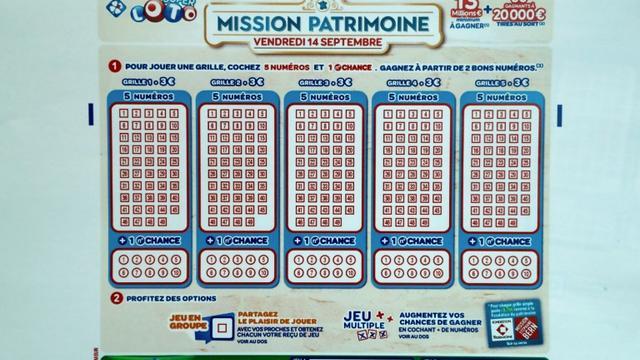 Un bulletin du Loto du Patrimoine, le 30 mai 2018 au siège de la Française des Jeux (FDJ) à Boulogne-Billancourt [FRANCOIS GUILLOT / AFP/Archives]