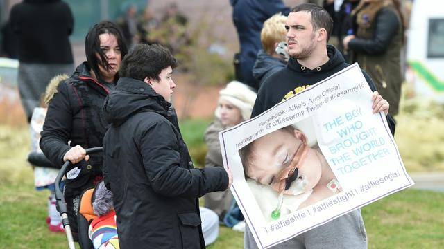 Alfie Evans, le bébé britannique en état semi-végétatif, est mort