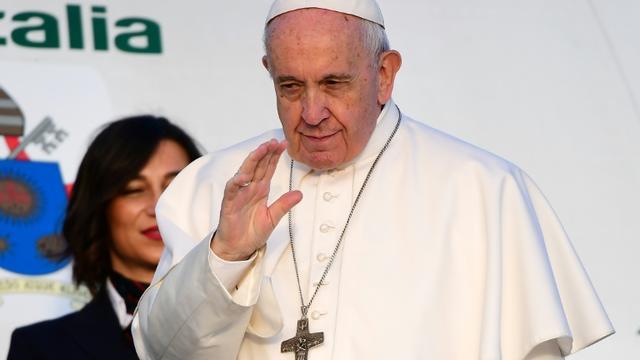 Le pape embarque à bord d'un avion à destination de la Bulgarie, le 5 mai 2019 à Rome [Vincenzo PINTO / AFP]