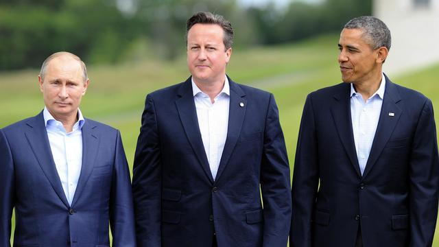 Vladimir Poutine (G), David Cameron (C) et Barack Obama, lors du G8 en Irlande du Nord, le 18 juin 2013 [Jewel Samad / AFP]