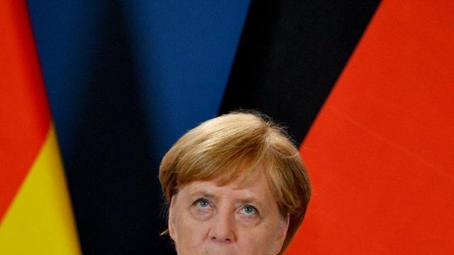 La chancelière allemande Angela Merkel s'adresse aux journalistes lors d'une conférence de presse dans la ville de Sopron, à la frontière austro-hongroise, le 19 août 2019. [ATTILA KISBENEDEK / AFP/Archives]