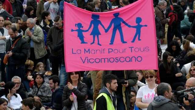 Des milliers de manifestants défilent à Rome pour dénoncer le mariage pour tous, le 30 janvier 2016 [ANDREAS SOLARO / AFP]