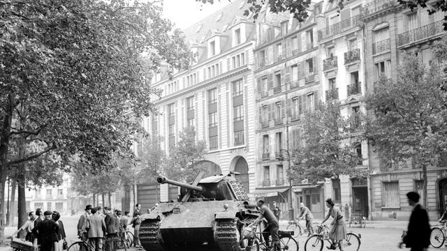 Un char de la division Leclerc le 25 août 1944 à Paris [Stf / AFP]