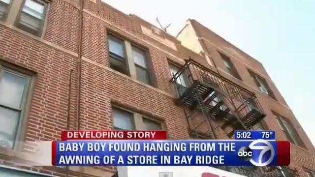 Un bébé survit d'une chute de deux étages