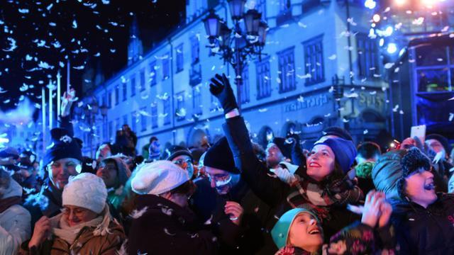 La ville polonaise de Wroclaw, capitale européenne de la culture 2016 à partir de ce week-end, s'offre le 17 janvier 2016 un happening géant retraçant son histoire et glorifiant la culture européenne [JANEK SKARZYNSKI / AFP]