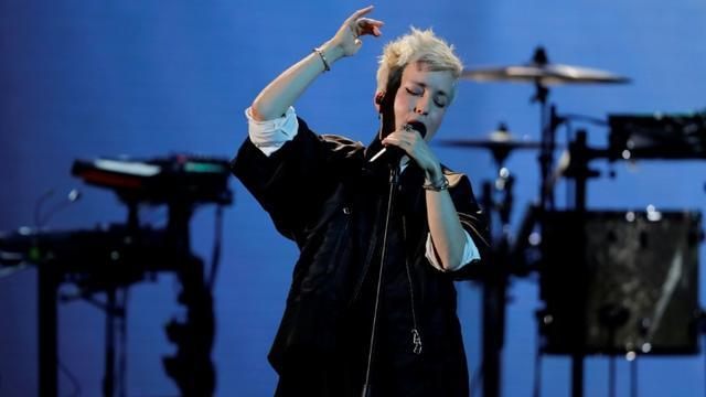 Jeanne Added, sacrée artiste féminine de l'année aux Victoires de la musique, le 8 février 2019 [Thomas SAMSON / AFP]