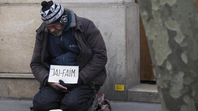 Les SDF ou précaires souffrent de la faim en France [Joel Saget / AFP/Archives]