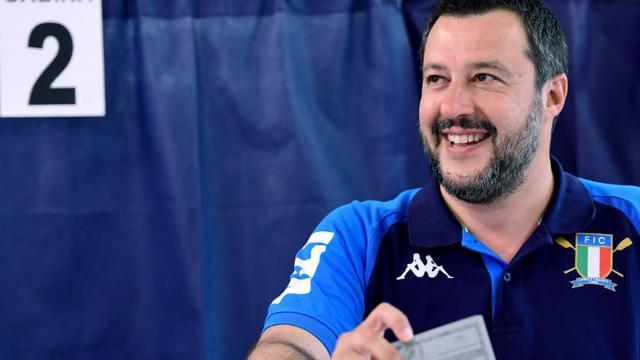 Matteo Salvini vote à Milan, le 26 mai 2019 [Miguel MEDINA / AFP]