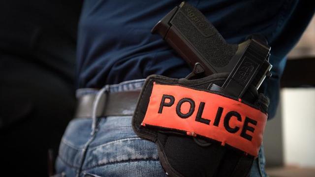 Police: revolver [Martin Bureau / AFP/Archives]